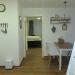 Typ 1, Küchentisch und Durchgang in Elternschlafzimmer
